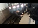 Парень бросился под поезд